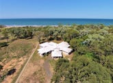 30 Royal Boulevard, Moore Park Beach, Qld 4670