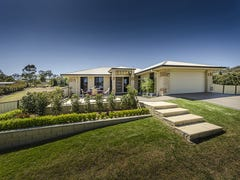 9 Phoebe Court, Cotswold Hills, Qld 4350