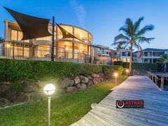 36 Istana View, Clear Island Waters, Qld 4226