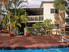 33 Haylock St, Manly, Qld 4179