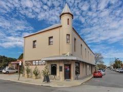 2a/13 James, Fremantle, WA 6160
