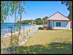 2c Elizabeth Bay Dr, Lake Munmorah, NSW 2259