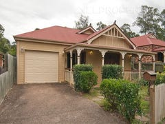 4 Windsor Place, Forest Lake, Qld 4078