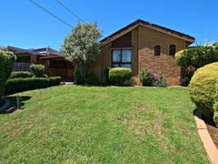8 Cornwall Close, Gladstone Park, Vic 3043