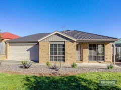 2 Emma Close, Drouin, Vic 3818