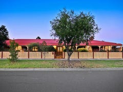 2 Mahon Court, Taylors Lakes, Vic 3038
