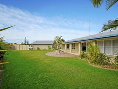 16 Mayra Court, Mermaid Waters, Qld 4218