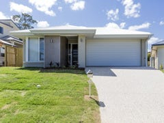 13 Wombat Cr, Rochedale, Qld 4123