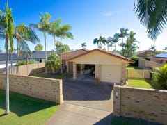 13 Lakefield Crescent, Paradise Point, Qld 4216