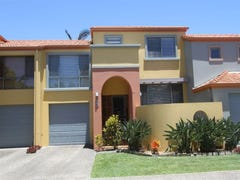 @/20 Fairway Drive, Clear Island Waters, Qld 4226