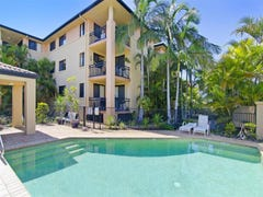 4/5 Tarni Avenue, Palm Beach, Qld 4221
