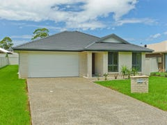 12 Monarch Circuit, Port Macquarie, NSW 2444