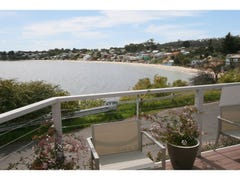 24 Pier Road, Opossum Bay, Tas 7023
