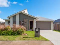 16 Forest Pines Blvd, Forest Glen, Qld 4556