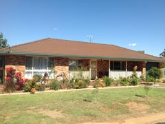 136 Moss Avenue, Narromine, NSW 2821