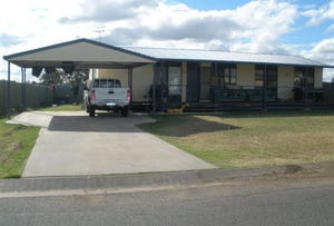 7 Summer Red Court, Blackwater, Qld 4717