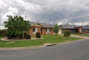 75 Jack Avenue, Mount Austin, NSW 2650