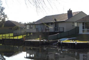 9 Lagoon Cres, Sussex Inlet, NSW 2540