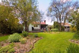 16 & 16a Western Avenue, Hepburn Springs, Vic 3461
