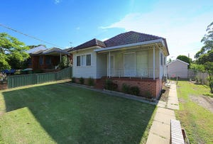 8 Georges Crescent, Georges Hall, NSW 2198
