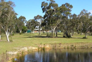387 Sussex Inlet Rd, Sussex Inlet, NSW 2540