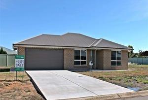 2 Harvester Avenue, West Wyalong, NSW 2671