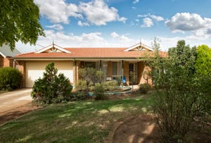 2 Deanswood Place, Brookfield, Vic 3338