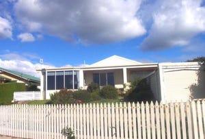 17 Old Bass Highway, Wynyard, Tas 7325