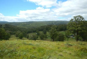 Wollomombi, address available on request