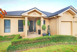 8 Headley Place, Kooringal, NSW 2650