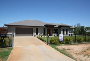 35 Estate Avenue, Charters Towers, Qld 4820