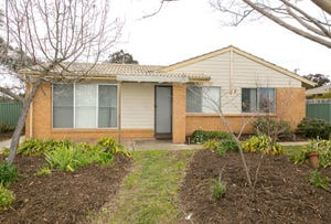 6 Cayley Place, Florey, ACT 2615