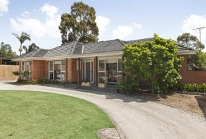 4 Shelford Grove, Dingley Village, Vic 3172