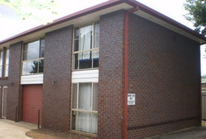 1/241 Long Street, South Toowoomba, Qld 4350