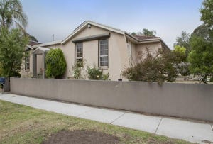 1 Isaac Smith Grove, Endeavour Hills, Vic 3802