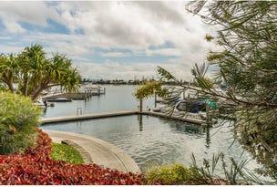 2102 Ephraim Island, Paradise Point, Qld 4216