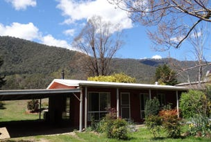 125 Great Alpine Road, Harrietville, Vic 3741