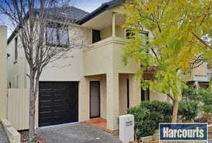 8 Greenwich Walk, Campbelltown, NSW 2560