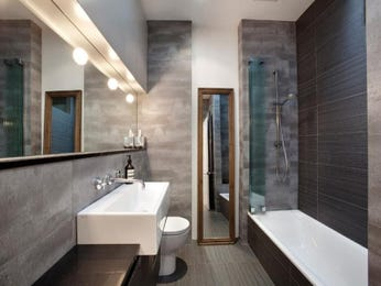Modern bathroom design with recessed bath using ceramic - Bathroom Photo 524781