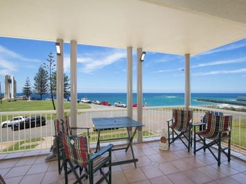 2/1 Tweed Terrace Cnr Boundary Street 'Beacons', Rainbow Bay, Qld 4225