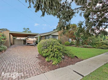 2 Bromley Close, Ferntree Gully, Vic 3156