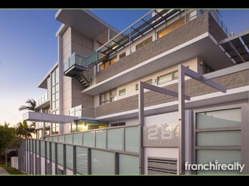 THE PENTHOUSE/28 Swann Road, Taringa, Qld 4068