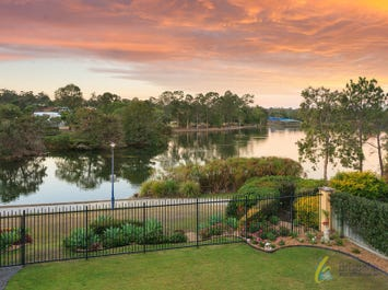 39 Alexandrina Cct, Forest Lake, Qld 4078