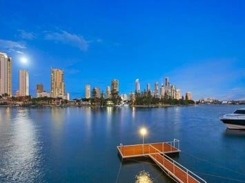 42 Admiralty Drive, Paradise Waters, Qld 4217