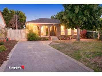 54 McMahons Road, Ferntree Gully, Vic 3156