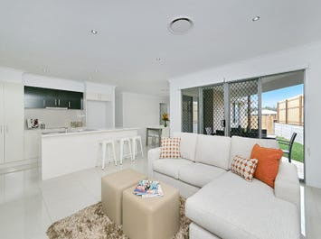 67 Fitzpatrick Cct, Augustine Heights, Qld 4300