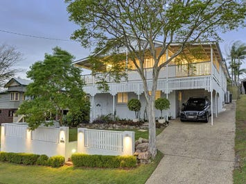 62 Railway Parade, Norman Park, Qld 4170