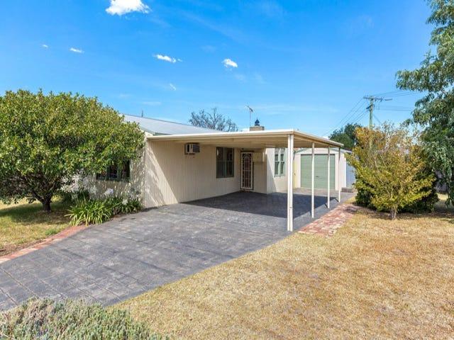 6 Bellairs Avenue, Seddon, Vic 3011