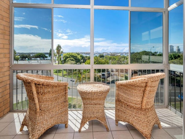 8/28 Marine Parade, Southport, Qld 4215