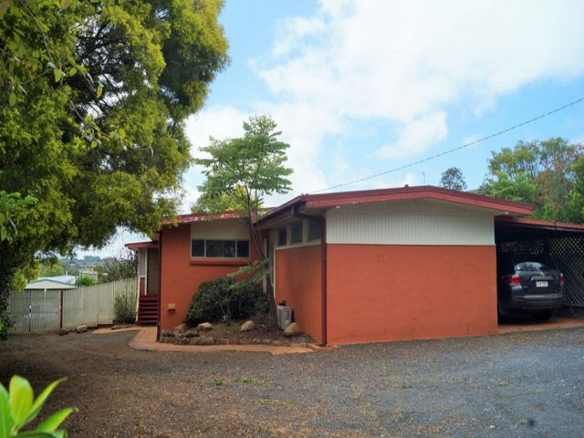 268 West St, Kearneys Spring, Qld 4350